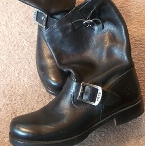 FRYE Vicky engineer ankle boots